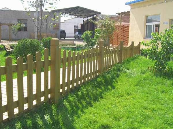 四川成都木制栏杆 防腐木护栏