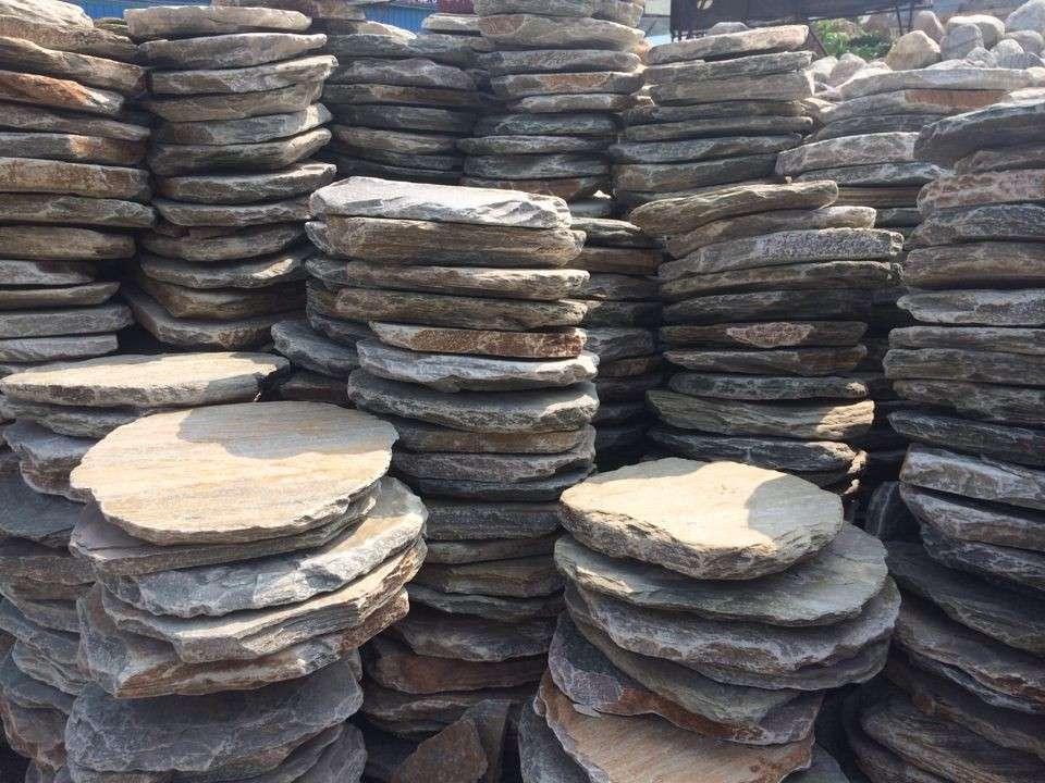 供应草地石、踏脚石、平面石、园林草地石大量批发