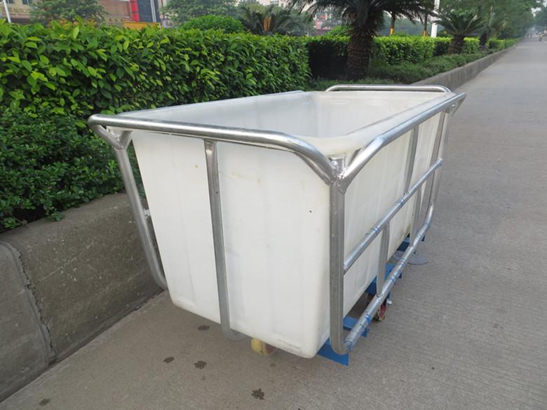 厂家专业制造:防腐蚀塑料内胆装布车 一次成型塑料方桶推布车 四轮周转染织推布车