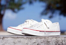 休闲鞋批发厂家品种多样