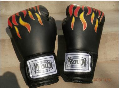 高档加厚火矩拳击手套专业拳击训练沙袋拳套限量成人搏击专用批发