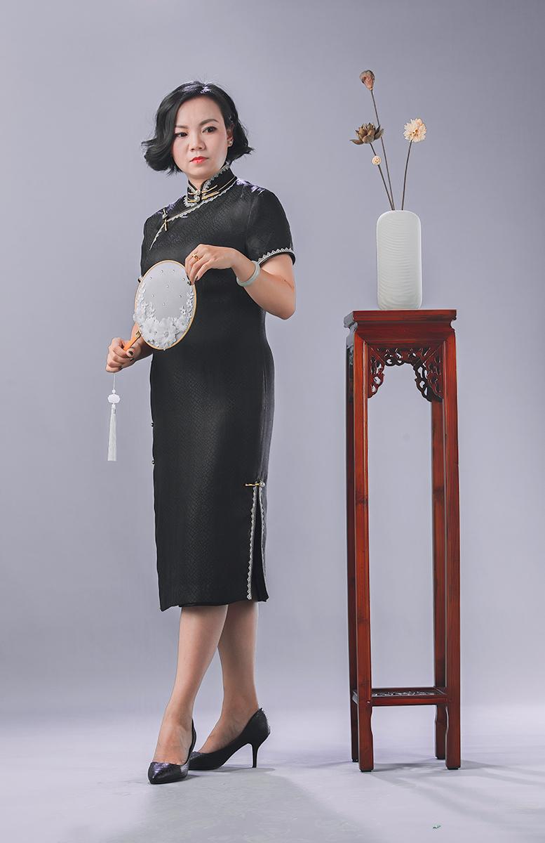 锦时工坊  雅黑   重磅真丝缎开襟旗袍