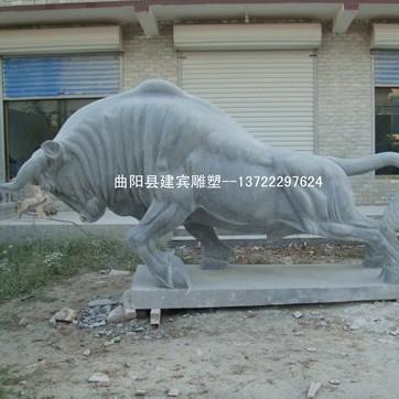 青石石雕牛摆件供应出售