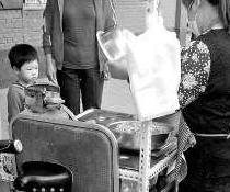 零食商店赊账与家长争议