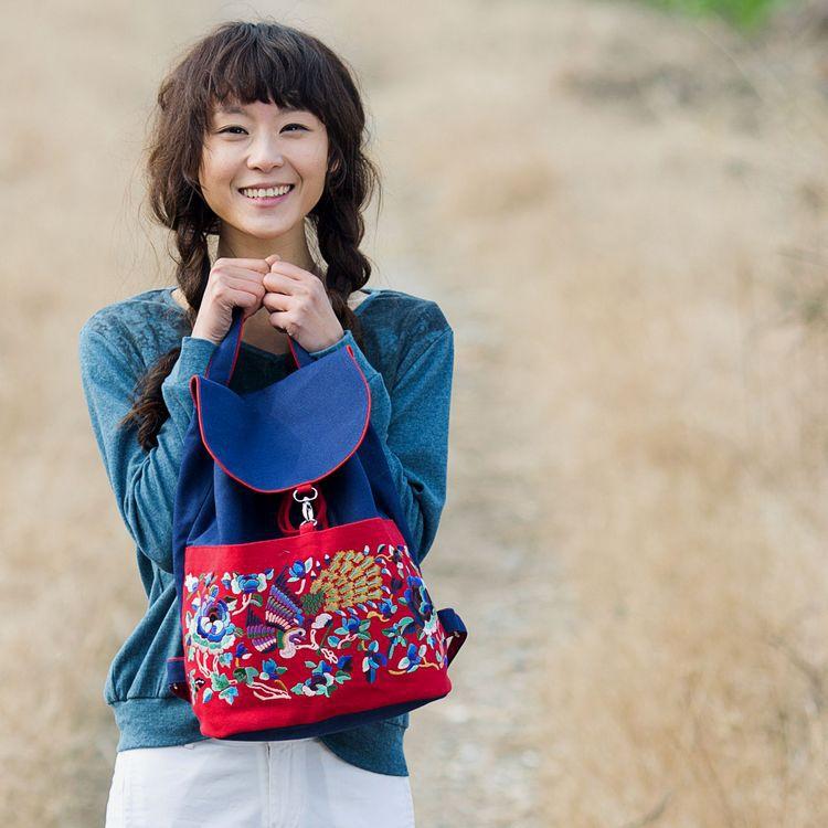 批发云南民族风双肩棉老粗布帆布刺绣旅行时尚女包出国特色礼品0
