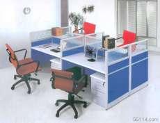 河南郑州屏风办公桌、带屏风隔断式的办公桌,价格最低,厂家销售,可定做