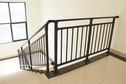 天津锌钢楼梯扶手厂家款式多样工艺精美全市最便宜的楼梯扶手