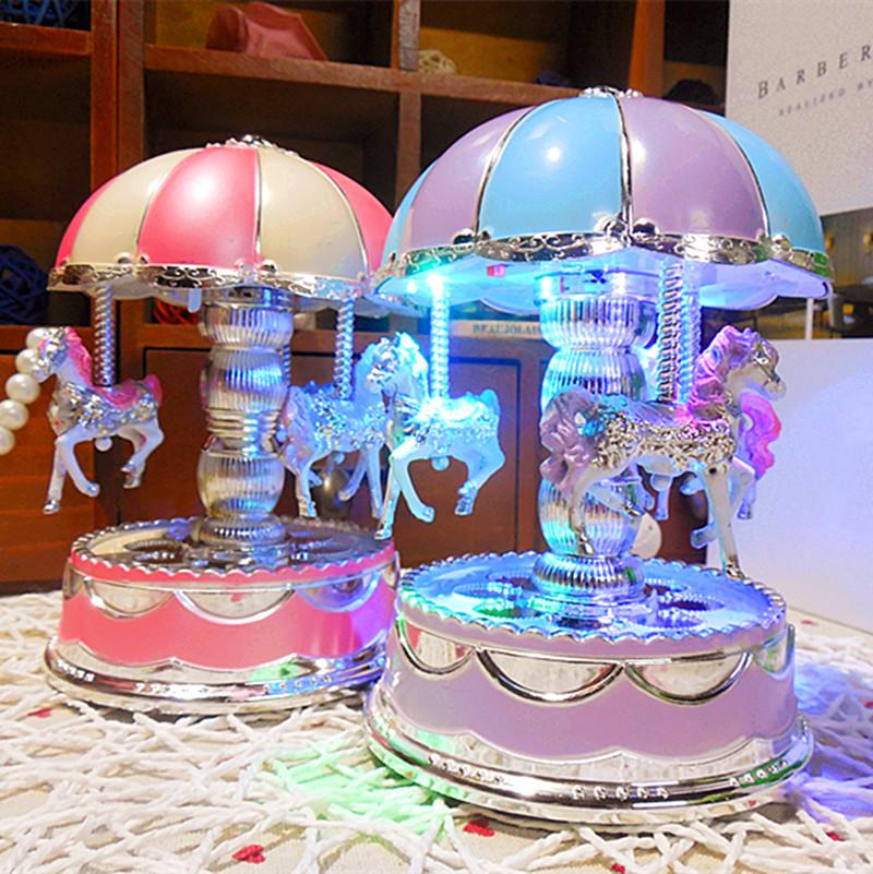 韩版旋转木马音乐盒 上链音乐灯光八音盒创意婚庆情侣礼品音乐盒
