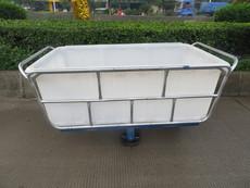 厂家专业供应:配轮子滚塑方桶推布车,一次成型纺织桶推布车,食品级水箱推布车