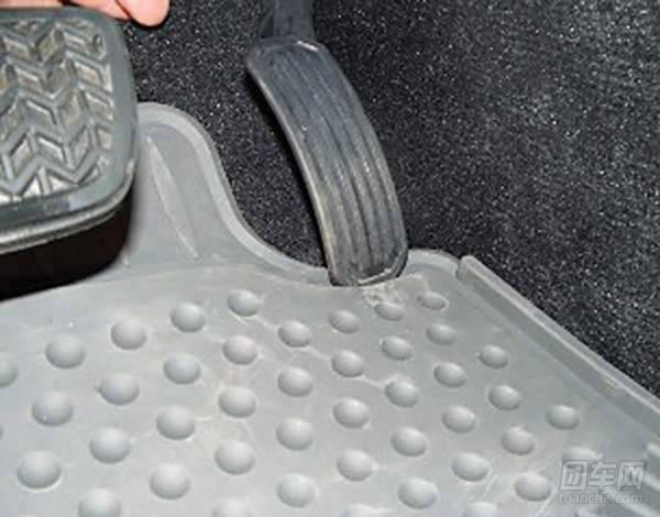汽车脚垫和行车安全那些事儿