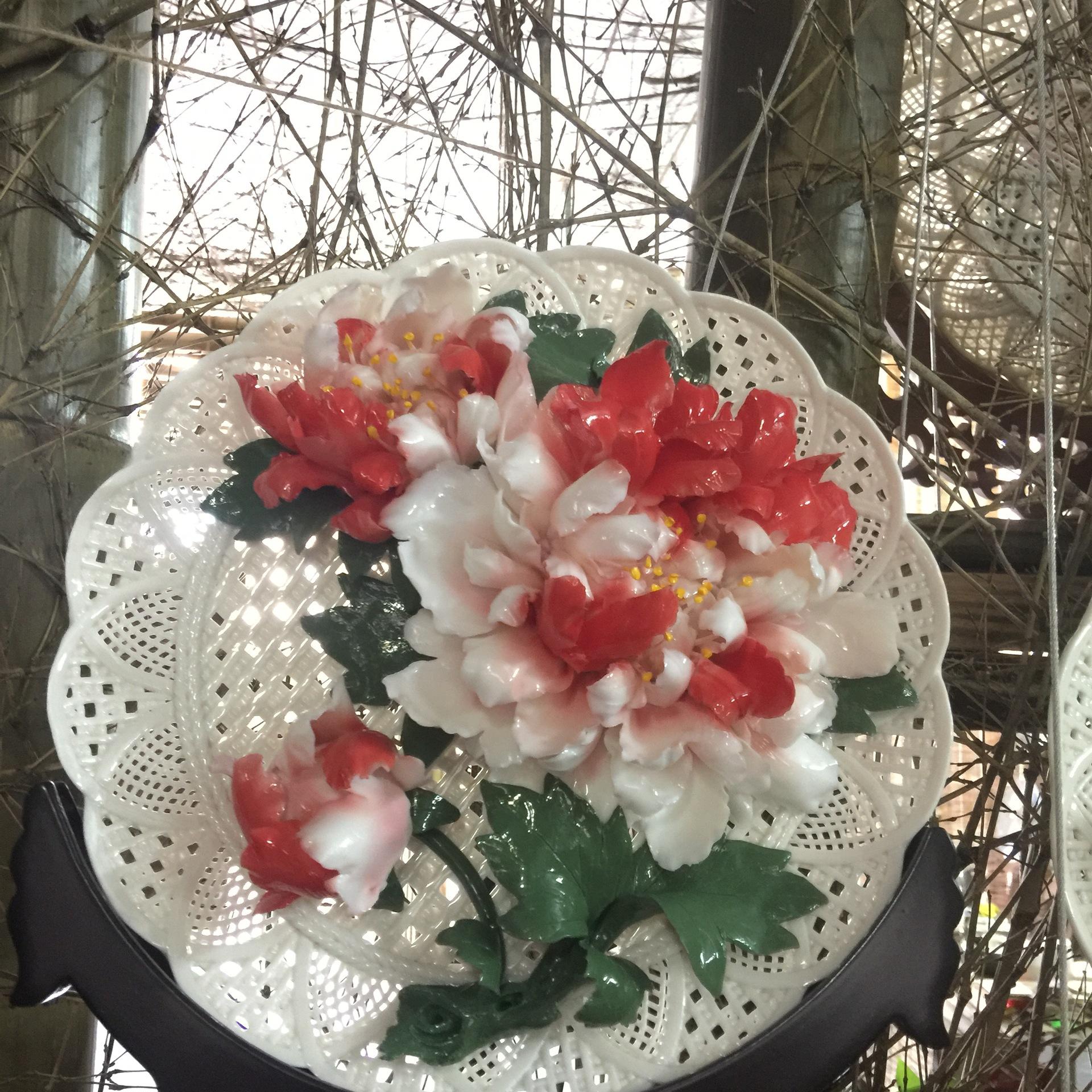 德化陶瓷工艺品 高端商务礼品家居摆件手工编织牡丹花盘釉下二乔