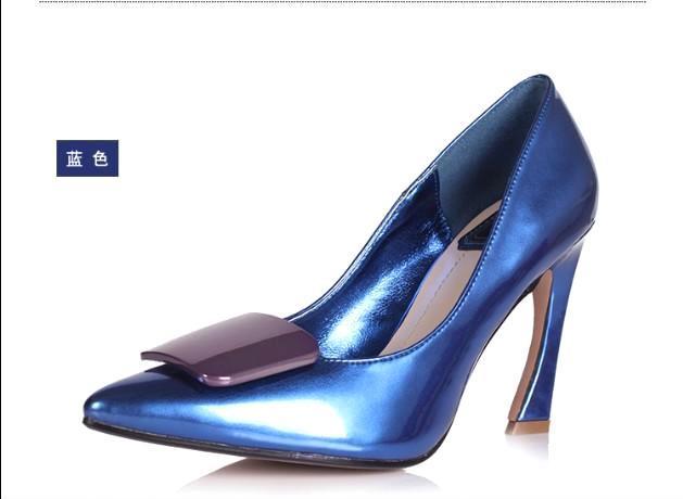 厂家直销 新款尖头单鞋 弯跟钻扣鞋经典百搭女鞋 四季女士高跟鞋