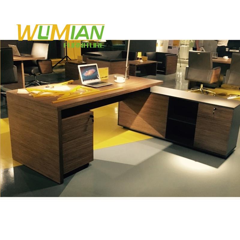新款老板桌时尚大气经理总裁桌简约现代主管桌大班台组合办公家具图片