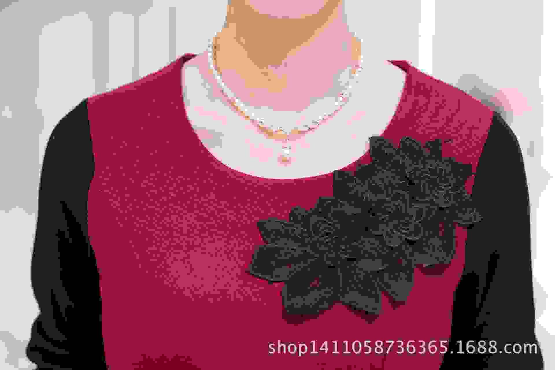 色中色����z)�h�_2016春季新款中年妈妈圆领长袖t恤女士拼色中长款修身胸花打底衫z