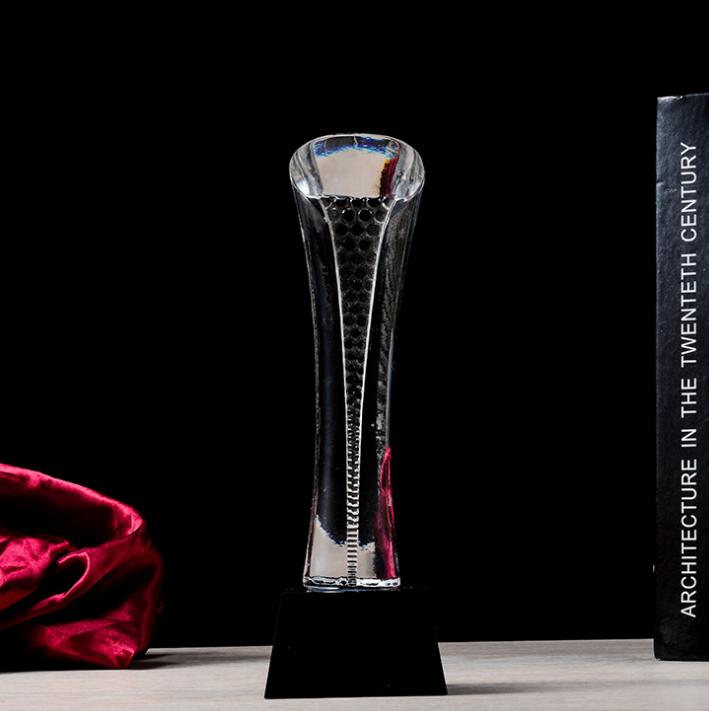 供应 一本厂家直销水晶奖杯工艺品 颁奖晚会 公司年会奖杯 可定制