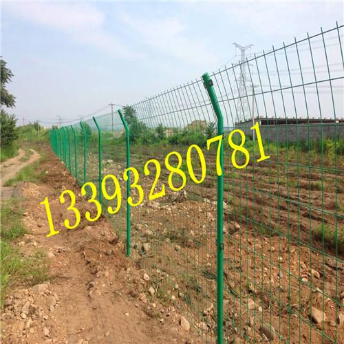 铁路护栏网 桥梁护栏网 小区护栏网 圈山防护网 卓能丝网物美价廉
