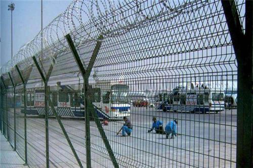 鄂州机场护栏_江苏华胜金属   (图)_机场护栏厂家