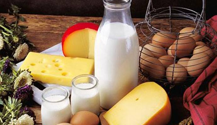 中国乳企业绩两极分化严重 乳制品行业整合加速