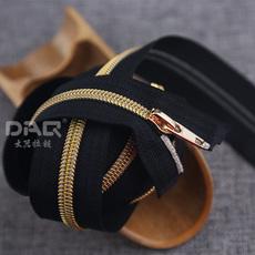 大器拉链DAQ品牌:校园服装拉链定制,鞋靴拉链,尼龙拉链欧标环保