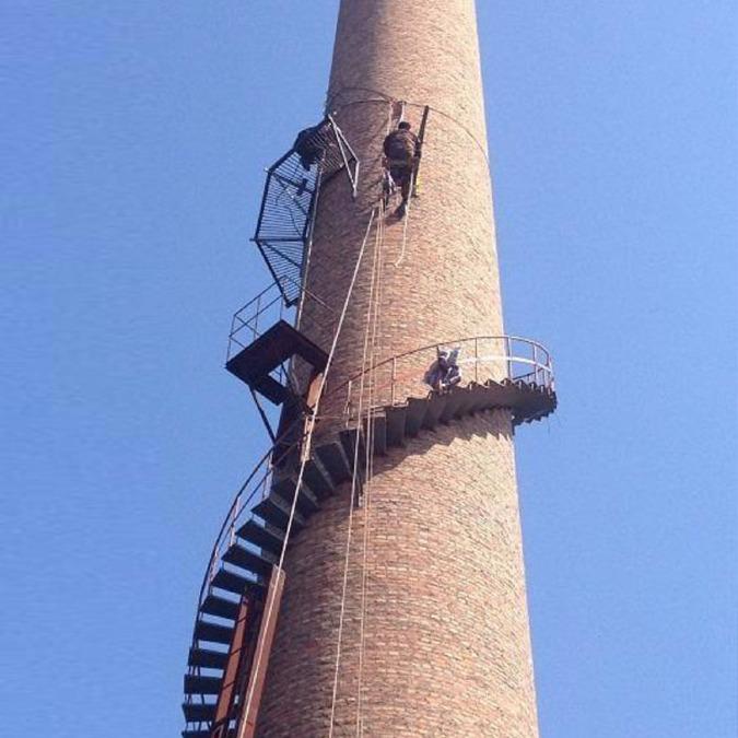 镇江烟囱旋转梯 Z梯安装质优价低 欢迎访问