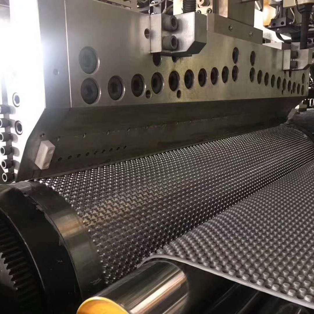 苏州金纬机械PP蜂窝板生产线