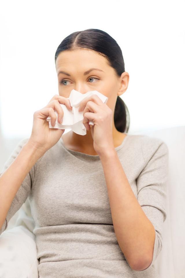 艾草网:入秋鼻炎停不住?艾叶+米醋让你轻松摆脱鼻炎困扰