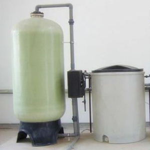 富莱克软化水设备 河南厂家低价批发 1吨全自动软化水设备 钠离子交换器工作原理软化水设备
